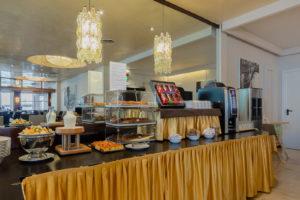 buffet-breakfast-ambasciatori-hotel