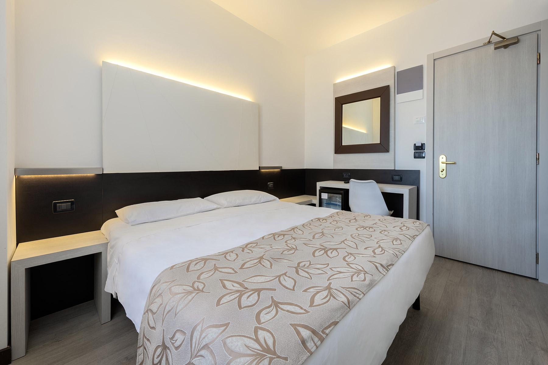 dbl-standard-ambasciatori-hotel