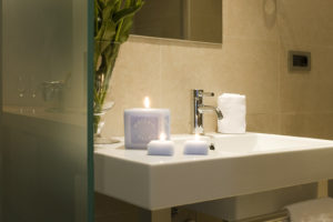 detail-bathroom-hotel-ambasciatori