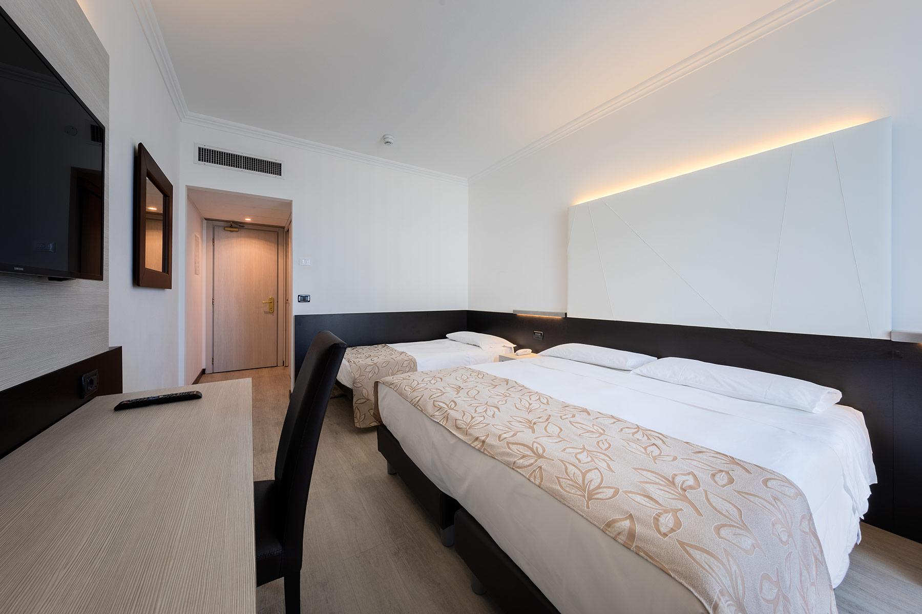 tripla-standard-hotel-ambasciatori